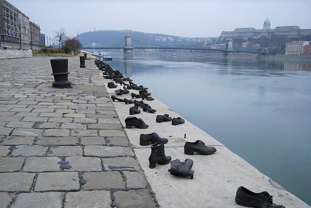 monumento-zapatos.jpg